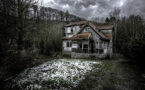 Обои снег, дом, весна