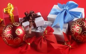 Картинка красный, праздник, голубой, узоры, новый год, подарки, new year, коричневый, серпантин, красный фон, коробки, упаковки, ...