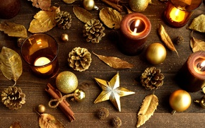Картинка листья, звезды, шарики, игрушки, палочки, свечи, корица, Christmas, шишки, золотые, New Year, елочные, новогодние