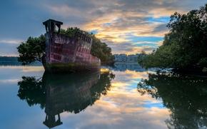 Картинка пейзаж, город, река, корабль