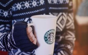 Обои зима, девушка, стакан, кофе, руки, свитер, starbucks