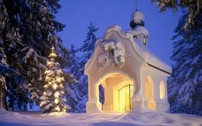 Картинка зима, снег, елка, рождество, часовня