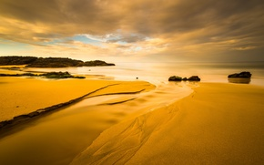 Картинка песок, море, небо, облака, закат, камни, скалы, берег, отлив