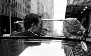 Картинка дорога, машина, девушка, улица, актриса, Scarlett Johansson, блондинка, актер, мужчина, Скарлетт Йоханссон, Dolce & Gabbana, …