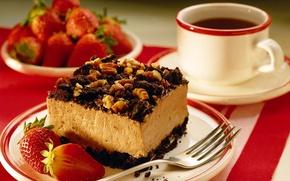 Обои тортик с орехами, кружка, чашка, вилка, кофе, клубника, тарелка
