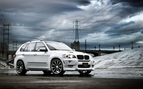 Обои белый, тучи, бмв, внедорожник, tuning, BMW X5