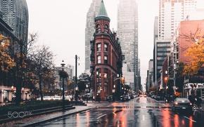 Обои город, осень, мокрые, дома, улицы