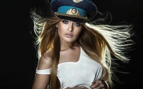 Картинка взгляд, модель, волосы, фуражка, Jacqueline Zajac