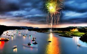 Картинка огни, река, лодки, Салют