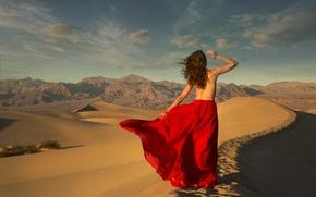 Картинка песок, девушка, пустыня, юбка, ситуация