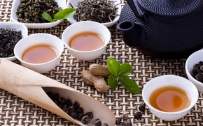 Картинка чай, чайник, чашки, орехи, заварка, чайная церемония, пиалы