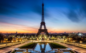 Картинка дорога, закат, город, огни, Франция, Париж, вечер, выдержка, освещение, фонари, Эйфелева башня, Paris, фонтаны, France, …