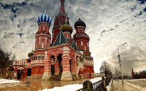 Обои зима, облака, снег, город, обои, забор, москва, кремль, wallpaper, россия, собор василия блаженного, путин, столица, ...