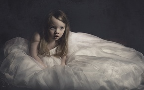 Картинка девочка, big dress, Little girl, платье