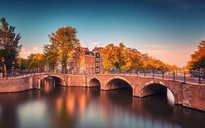 Картинка осень, деревья, мост, город, река, здания, Амстердам, канал, Нидерланды, Amsterdam, велосипеды, провинция, Nederland, Noord-Holland, Северная …