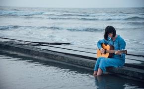 Картинка море, девушка, гитара, причал, азиатка
