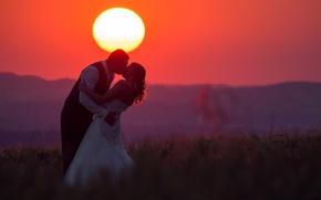 Обои love, fireball, twilight, sunset, kiss, hill, couple, dusk, wedding, bride, silhouette, red sky, groom