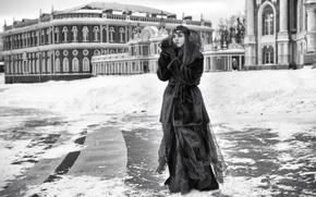 Картинка зима, платье, маска, площадь, шуба