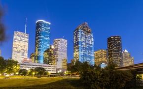 Картинка деревья, мост, огни, дома, небоскребы, вечер, фонари, США, Houston, Texas