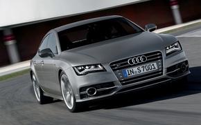 Картинка Audi, Машина, Лого, Серый, Капот, Седан, Фары, передок, В Движении