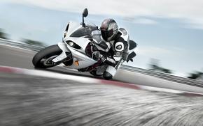 Картинка обои, скорость, трасса, мотоцикл, wallpaper, байк, yamaha, гонщик, едет, ямаха
