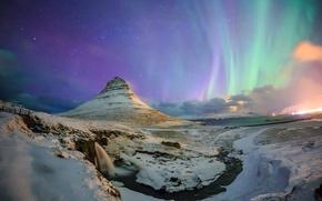 Обои северное сияние, звезды, небо, ночь, зима, снег, водопад, ручей, гора, Kirkjufell, Исландия