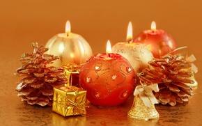 Обои Новый Год, свечи, праздник, шишки, свечки, золотые, Рождество, декорации