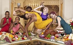 Картинка стол, вино, бокал, еда, интерьер, блондинка, мясо, шоу, шатенка, америка, фрукты, movie, топ-модель, негритянка, афроамериканка, …
