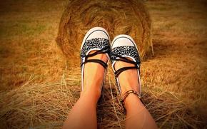 Картинка ноги, обувь, загар, сено, legs, hay