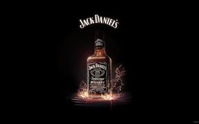 Картинка бутылка, чёрный фон, Jack Daniels