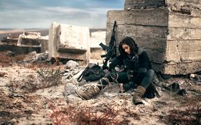 Картинка девушка, оружие, автомат, Blackbird, консервы, а обед по расписанию, война войной