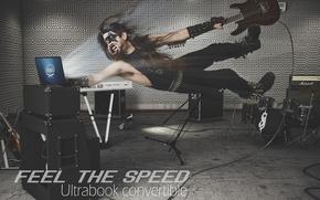 Картинка гитара, скорость, ноутбук, Intel, парень, студия, лэптоп, рокер