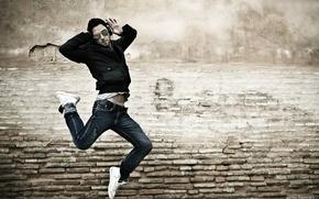 Картинка настроение, Музыка, мужчина, наушники, прыжок