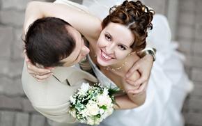 Картинка девушка, радость, счастье, улыбка, фон, стена, обои, настроения, смех, букет, платье, пара, парень, невеста, молодожены, ...