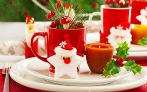 Картинка ветки, ягоды, свеча, кружка, тарелки, ёлка, вилка, дед мороз, шишка, листики