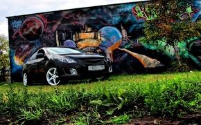 Обои Mazda 6, Трава, Дерево, Граффити