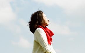 Картинка girl, serenity, sunlight, scarf