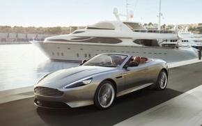 Картинка девушка, фон, Aston Martin, яхта, DB9, кабриолет, набережная, передок, Воланте, Volante, Астон Мартин.ДБ9