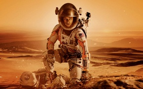Картинка песок, фантастика, пустыня, планета, скафандр, шлем, сумка, Марс, Мэтт Дэймон, Matt Damon, Марсианин, The Martian