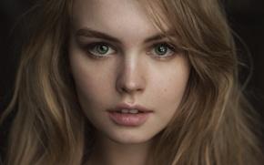 Картинка девушка, макро, лицо, фон, милая, портрет, веснушки, шатенка, прелесть, зубки, young, beauty, шикарная, lips, hair, …