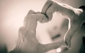 Картинка любовь, фон, widescreen, обои, настроения, сердце, рука, руки, wallpaper, мужчина, пальцы, love, парень, сердечко, широкоформатные, …