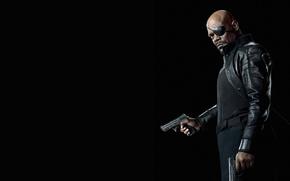 Обои оружие, Сэмюэл Л. Джексон, плащ, в черном, Samuel L. Jackson, комикс, Мстители, The Avengers, пистолеты, ...