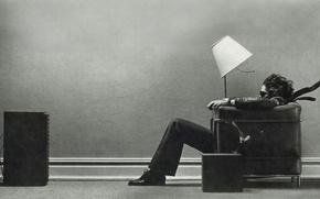 Картинка свет, дом, музыка, креатив, настроение, наслаждение, ветер, сила, стены, волосы, лампа, кресло, звук, колонки, стул, ...