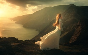 Картинка девушка, горы, ветер, платье, The Journey, TJ Drysdale