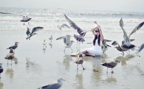 Картинка море, девушка, птицы