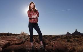Картинка пустыня, рыжая, рубашка, Amy Pond, Карен Гиллан, Karen Gillan, Эми Понд