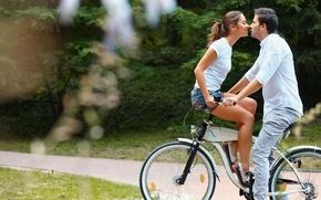 Картинка girl, love, bicycle, woman, man, kiss, boy, mood, trail, feeling, Couple