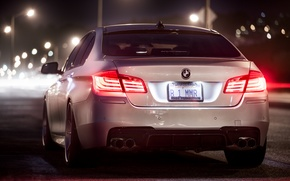 Картинка ночь, BMW, white, rear, F10, 5 Series, b1mmr