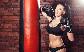Обои brunette, boxing, pose, sportswear, bag to hit