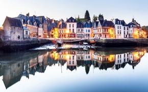 Картинка вода, огни, отражение, река, Франция, дома, яхты, лодки, вечер, набережная, Brittany, Saint-Goustan